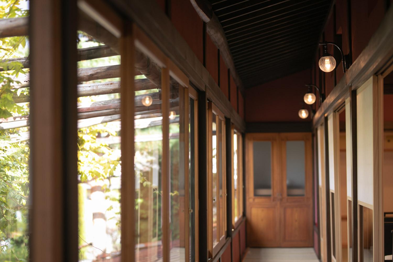 料亭の廊下の写真