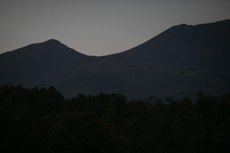 結婚式設営 深夜の浅間山の風景です