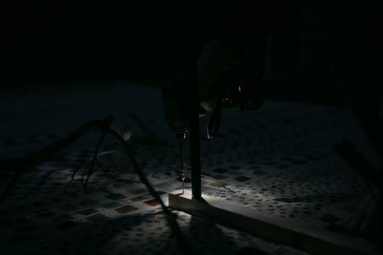 深夜の挙式会場設営中の写真です